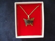 "VINTAGE 1970 CHINESE TIGER EYE BUTTERFLY PENDANT W/ 18"" GOLD TONE CLASP CHAIN"