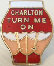 CHARLTON ATHLETIC Vintage badge Maker P&G SPORTS Brooch pin In gilt 25mm x 31mm