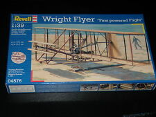 MAQUETTE - WRIGHT FLYER - FIRST OWERED FLIGHT - REVELL - 1/39  - COMPLETE