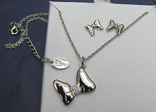 Disney Minnie Mouse silver bow necklace / pendant & earring set in box. Genuine