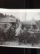Ephemera Picture Reprint Ww1 Troops At Arras Board London Buses For Front M60