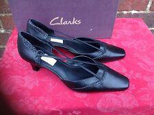 Clarks K Shoes Ladies Black Leather Sandals Size 6.5E