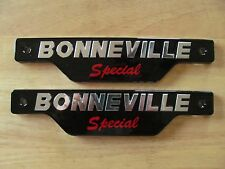 83-7357 TRIUMPH BONNEVILLE SPECIAL SILVER & BLACK SIDE COVER PANEL BADGE (PR)