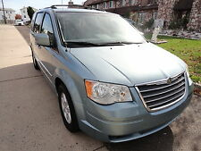 2009 Chrysler Town & Country Touring Stow' N Go Navigation