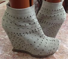CAMILLA SKOVGAARD Gray Leather Platform Ankle Boots Wedges Size 9/EUR 391/2 EUC!