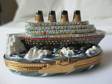 LIMOGES FRANCE PEINT MAIN TITANIC HITTING AN ICEBERG PORCELAIN TRINKET BOX - NEW