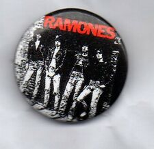 THE RAMONES - BUTTON BADGE - AMERICAN ROCK BAND -PINHEAD 70s PUNK ROCK BAND 25mm