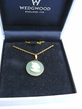 Wedgwood green jasper ware round lady cameo necklace pendant &chain Original box