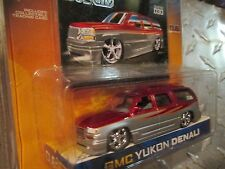 dub city customs  GMC YUKON DENALI red and silver    jada 1/64 8+