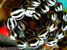 Wunderschöne javanische Black&White Streifen-Perlen- ca.16x16mm- Melon-Form