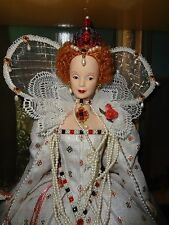 BARBIE QUEEN ELIZABETH I DOLL  2004 NRFB GOLD LABEL
