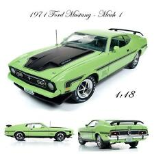 Auto World AMM1069 1971 Ford Mustang Mach 1 Diecast Car 1:18 NEW!