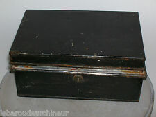 Ancienne boite anglaise old box from London England chubb and son Victoria