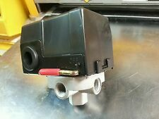 UNIVERSAL Compressor switch DC-PS10-4H 95-125 PSI 4 way