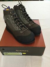 SIMMS HEADWATERS WADING BOOTS - VIBRAM SOLE- SIZE 10 - RETAIL $149.95