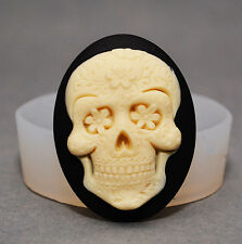 Skull -SILICONE FLEXIBLE PUSH MOLD POLYMER CLAY FIMO MOULD BAKEABLE