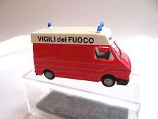 Praline 0348 Fiat 242 Feuerwehr VIGILI del FUOCO  1:87
