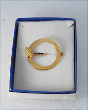 Vintage Religious Praying Hands Gold tone Metal Circle Pin Jewelry