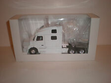 1/43 TRUCK VOLVO 770 WHITE / MADE BY Eligor ITEM NUMBER:112050
