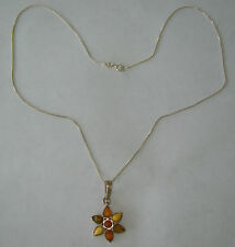 "Sterling Silver SU 18.25"" Box Link Necklace W/Flower Pendant- 3.9 Grams- #N244"