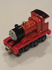 LEARNING CURVE 2002 THOMAS & FRIENDS MAGNETIC DIECAST JAMES