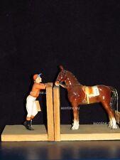 +# A002073_01 Goebel Archivmuster, XS150 A+B, Holzbuchstützen, Jockey+Pferd