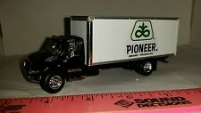 1/64 CUSTOM DCP INTERNATIONAL 4400 pioneer hybrids box TRUCK seed ERTL farm toy