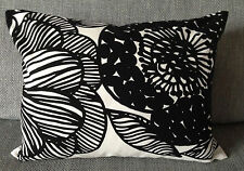 "Handmade 12 x16"" pillow cushion case cover from Marimekko Kurjenpolvi fabric"