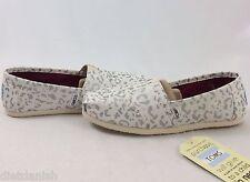 Toms Shoes Women's Classics Silver Snow Leopard Size 5.5