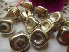 lot 6  boutons anciens en métal argenté clair carré épais style grelot 1,4 cm