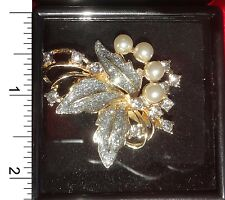 Thai Pin Brooch - Flower w/sim pearls                                      PF008