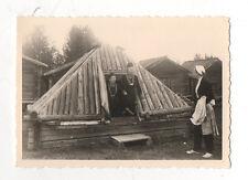 PHOTO - Snapshot Vintage - Village LAPON LAPONIE 1956 Habitat traditionnel