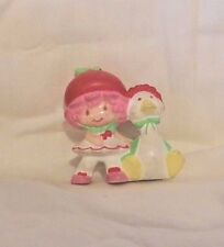 VINTAGE MINI STRAWBERRY SHORTCAKE land pvc FIGURE CHERRY CUDDLER w/ GOOSEBERRY