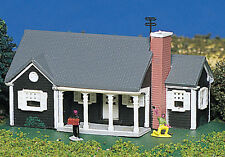 Bachmann Plasticville N scale  Building - New England Ranch House 45814 NEW