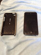 iPod 4th gen 8gb w/ hard case and screen protector good condition