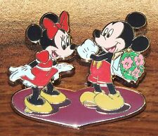Disney Mickey Surprises Minnie Mouse w/ Flowers For Valentines Day Trading Pin!
