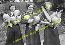 Photo - Women workers at Pain's fireworks factory, Mitcham, September 1936 (2)