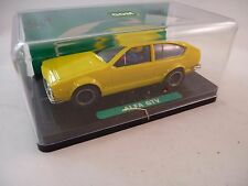 GOM -1001  1/32 SLOT CAR ALFA GTV YELLOW