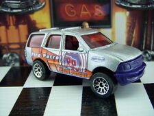'02 MATCHBOX FORD EXPEDITION LOOSE 1:64 SCALE