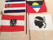LOTTO 4 BANDIERINE DA TAVOLO CORSICA AUSTRIA THAILANDIA ANTIGUA BARBUDA