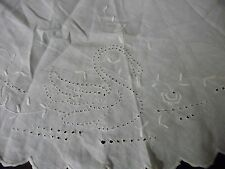 #920Z vtg fabric linen doily table cover embroidered cut scalloped border 33'' R