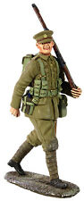 BRITAINS SOLDIERS WW1 1916-BRITISH INFANTRY MARCHING IN FULL KIT  METAL 23066