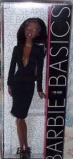 BARBIE BASICS # 10-001 ANNO 2009 NRFB  CODE R9925 SCOLLATURA A V