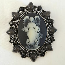 New VC Drop Vintage Style Cameo Brooch Pendant Charm Pin Black Angel Gift BR1068