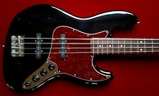 MIM Fender Deluxe Series 2006 Jazz Bass Guitar Noiseless Pickups w/Gig Bag