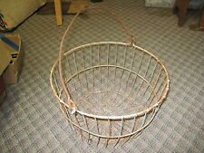 ANTIQUE RUSTED WIRE CHICKEN EGG GATHERING WIRE BASKET PRODUCE old farm ORIGINAL