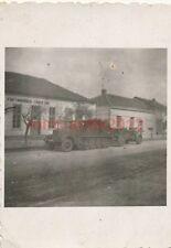 Foto, Wehrmacht, Halbkette als Zugfahrzeug mit Geschütz (W)1396