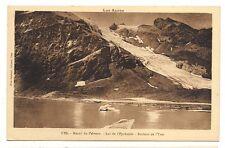 massif du pelvoux ,lac de l'eychauda , rochers de l'yret
