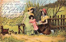 BG20038 women with girl egg chicken  ostern easter germany