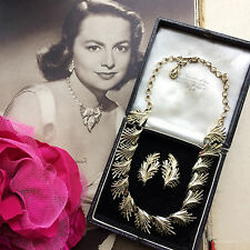Vintage 50s 60s Signed CORO Shiny Gold Tone Leaf Fringe Necklace & Earrings Set